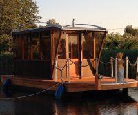 bungalow boat
