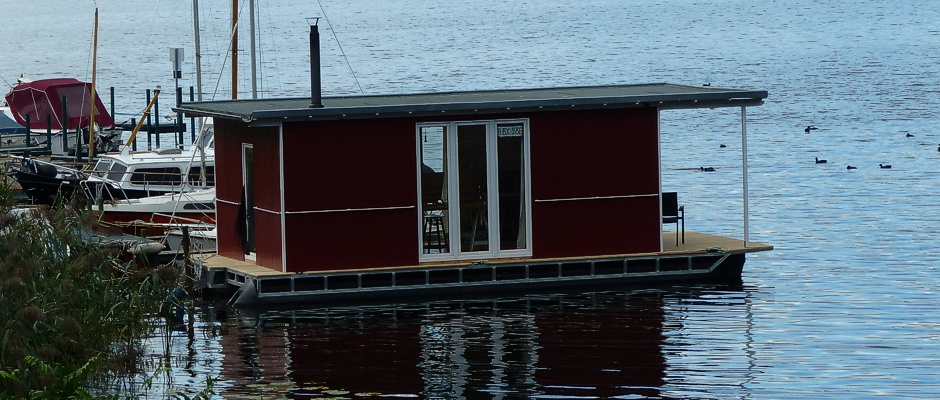floating creative studio