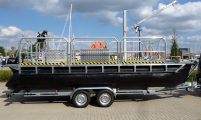 trailerable pontoon-workboat