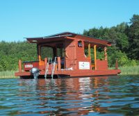 pontoon houseboat