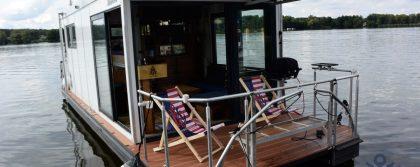 homey houseboat