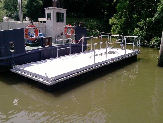 Perebo Schwimmsysteme Schwimmplattformen Modular