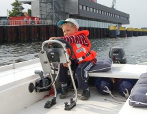 Pontonmotorboot