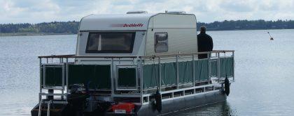 Caravan auf dem Wasser