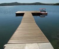 Schwimmsteg mit Badeplattform