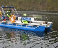 Boot mit Spürhund
