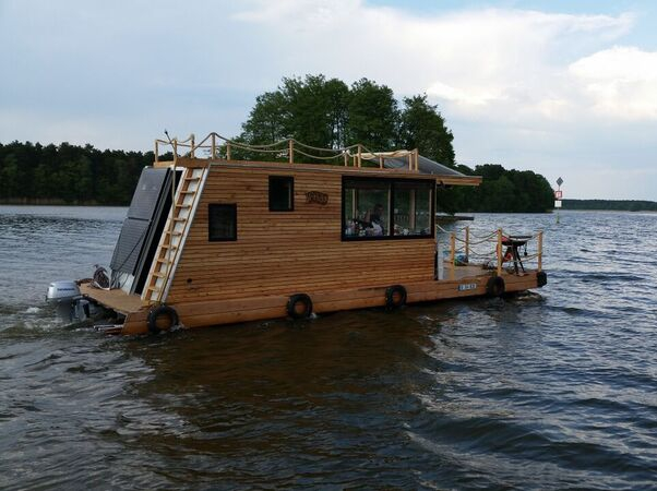Perebo schwimmsysteme hausboote schwimmh user von for How to build a floating house