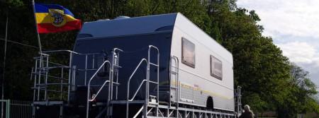 Caravan auf Schwimmplattform