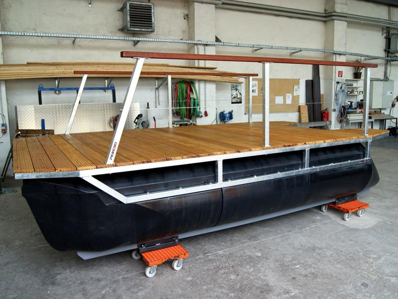 perebo schwimmsysteme pontonbootsbaus tze nach wunsch. Black Bedroom Furniture Sets. Home Design Ideas