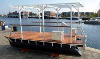 Pontonboot mit Dachgestell