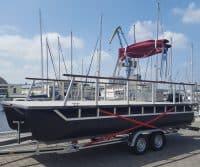 Potonboot auf Bootstrailer