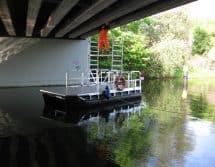 Boot mit Standgerüst